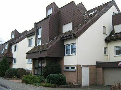 Gepflegte, helle Wohnung in einem Mehrfamilienhaus mit 6 Wohneinheiten