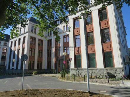 Repräsentatives Bürogebäude: 240 m² - 1.200 m² Büro-, Praxis-, Ausstellungsflächen