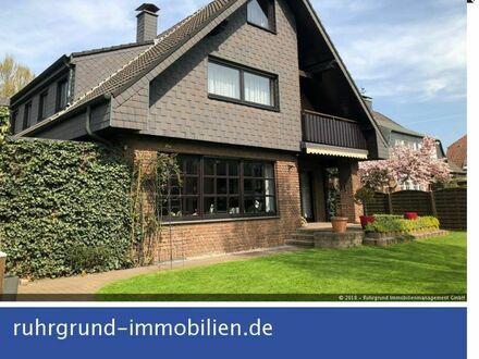 Exklusives Einfamilienhaus mit 2 Garagen im Vorort König-Ludwig!