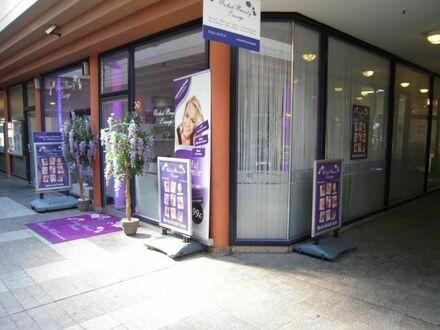 Laden im Altstadt-Carree - derzeit Kosmetikstudio