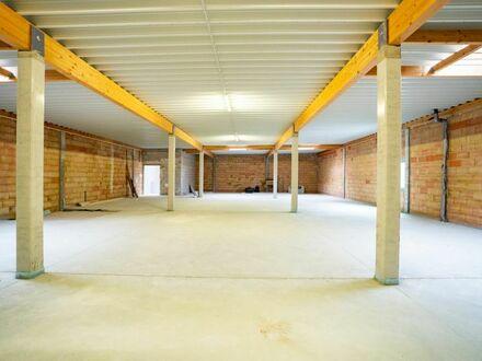 Neubau-Räume in frequentierter Lage. Hier werden Sie gesehen.