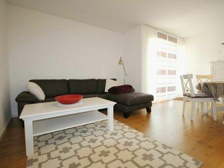 Saarbrücken, hochwertig neue renovierte 2 Zimmer Wohnung mit sonniger Terrasse + Stellplatz