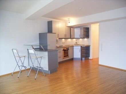 Zentral Appartement ca.48m²Wfl.,2.OG,Balkon,Duschbad,offene Singleküche, Gute Ausstattung!