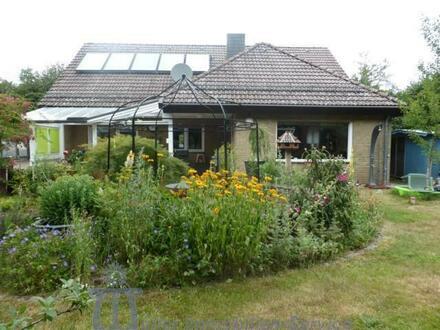 Freistehendes Wohnhaus mit ELW und idyllischem Garten Nähe Homburg