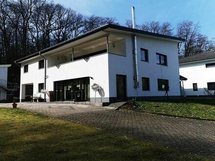 Saarlouis-Beaumarais: gut geschnittene Wohnung in absolut ruhiger Waldrandlage mit schöner Fernsicht, ca. 143qm, sofort verfügbar