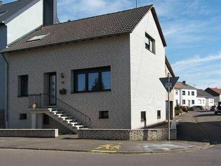 Bous/Saarlouis (Deutschland): großes Einfamilienhaus mit Anbau, 144qm, fast komplett renoviert, sofort verfügbar
