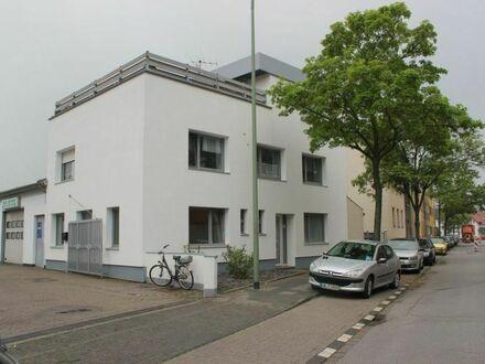 Duisburg - Großenbaum, gepflegte Wohn und Gewerbeimmobilie in Bestlage