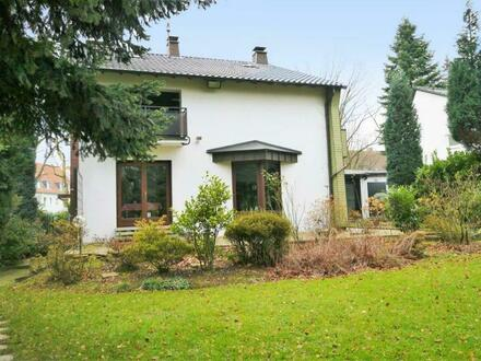 Exkl. 1-Familienhaus mit ELW, freistehend, Nähe Südpark