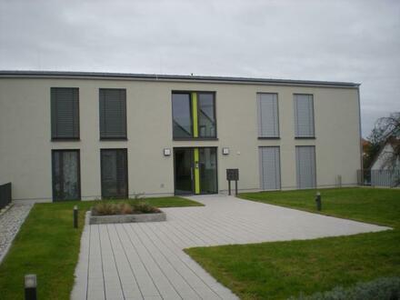 Schöne 2 Zimmer - Mietwohnung mit Balkon / Loggia (Fernblick) + 2 TG-Stellplätzen in Top Lage von Herxheim!
