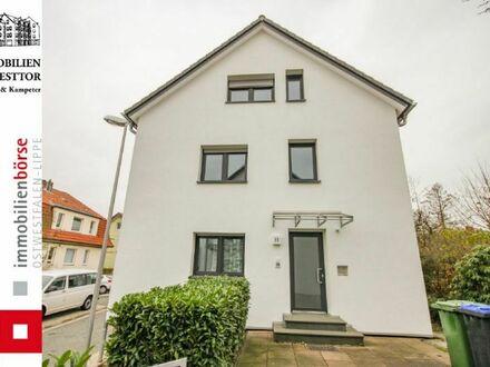 == Erdgeschosswohnung mit schöner Terrasse im Herzen von Detmold ==