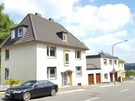 Gemütliche 3 Zimmer Wohnung im Dachgeschoß eines ruhigen 3 Familienhauses