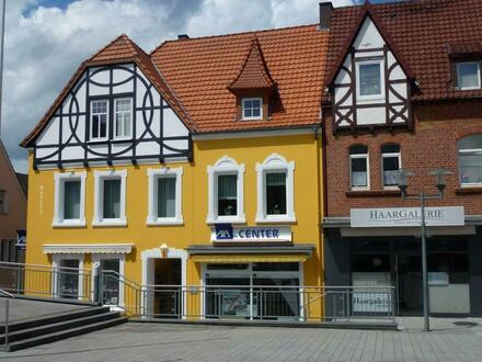 Liebevoll modernisierte Dachgeschosswohnung am Markt