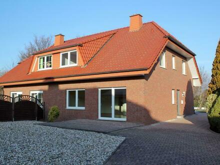 Modernisierte Doppelhaushälfte mit großer Doppelgarage