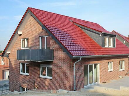Bezugsfertige Familien-Neubau-Dachgeschosswohnung mit Charakter