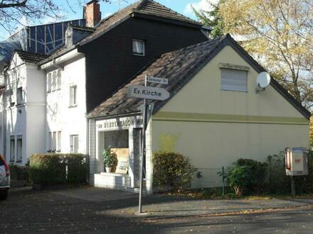 Wohnhaus mit Ladenlokal auf Eckgrundstück in Toplage Köln-Raderthal