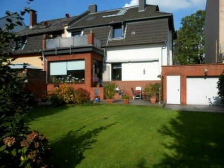 """""""RESERVIERT"""" 1-2 Familienhaus mit Garten und Garage in ruhiger Lage von Rheinhausen-Friemersheim."""