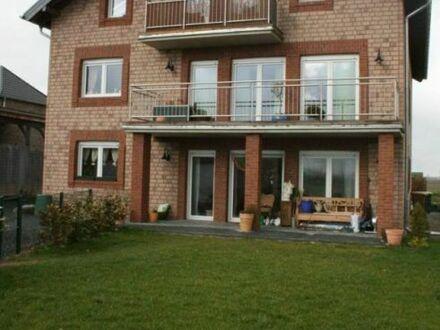 Nörvenich, schicke Balkonwohnung mit Topgrundriss, Garten und Garage!