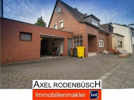 Frechen, gemütliches Haus mit Garage und Garten in gefragter Lage von Bachem!