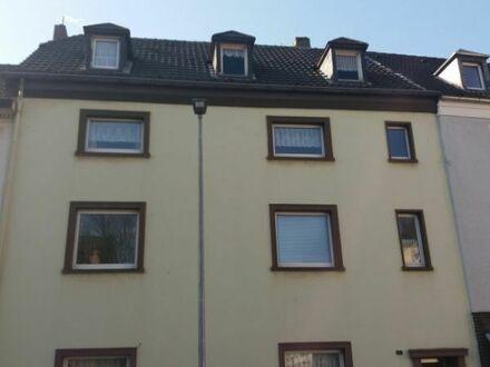 Gepflegtes und voll vermietetes Mehrfamilienhaus als Anlageobjekt zu verkaufen.