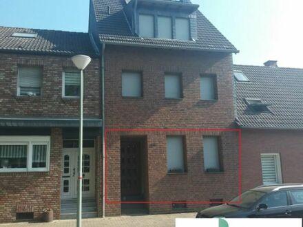 Moderne 80m² EG-Wohnung mit Terrasse, Garage in Krefeld Oppum an älteres Paar oder Single