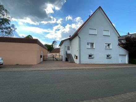 Schönes Ein- Zweifamilienhaus mit Bürogebäude und Lagerhalle