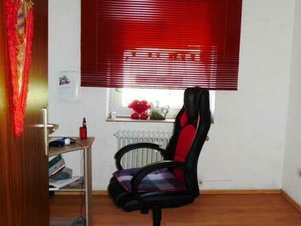 Super für Singles! 2,5 Raum Wohnung in verkehrsnaher Lage
