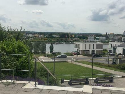 Wohnen am See Schöne 4,5 Zimmer Erdgeschosswohnung mit Terrasse,Garten + Tiefgaragenplatz + Stellplatz