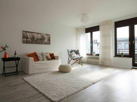 MÖBEL REIN UND GLÜCKLICH SEIN +++City-Wohnung mit Tiefgarage und Balkon