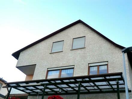 RB Immobilien – Gemütliche 2,5 Zimmer Dachgeschosswohnung in bester Lage von Oppenheim