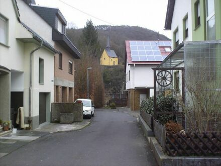 Intern: 124220AW-KA EINZELSTÜCK Ein Zweifamilienhaus für kreative Heimwerker...!