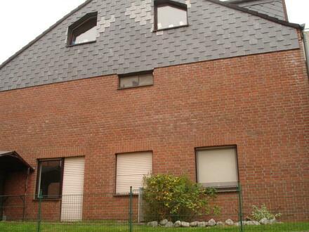 Sehr schöne 2,5 Zimmer- Wohnung mit Terrasse auf dem Fürstenring in Voerde