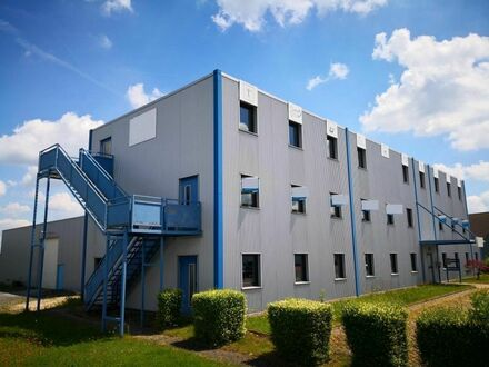 Büro-/ Verwaltungsgebäude , ca. 780 m², teilbar ab ca. 96 m², in 55469 Simmern zu vermieten