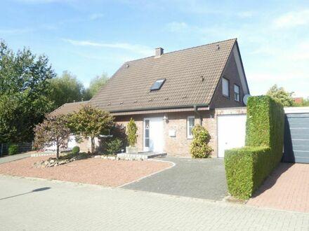 Einfamilienwohnhaus mit Anbau/Einliegerwohnung und Garage in gepflegtem Umfeld!