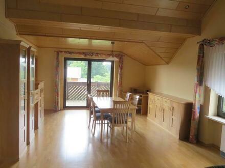 Geschmackvoll möbelierte Wohnung in der Eifelgemeinde Arenrath