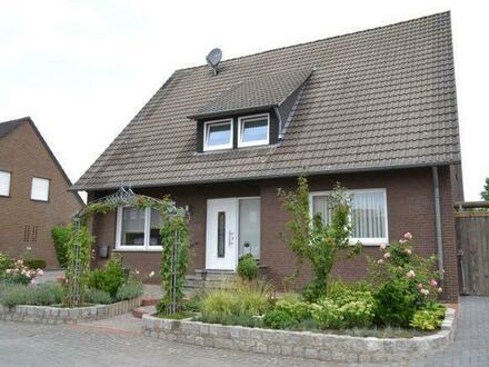 Großes Haus mit derzeit 2 Wohnungen als Renditeobjekt (in Emsbüren)