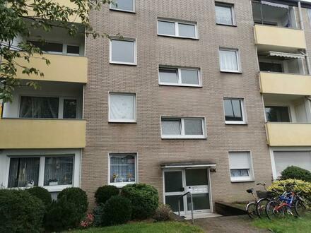 Schöne 3 Zi-Wohnung mit Balkon und Laminatfußböden in grünem Walsum (043.07807)