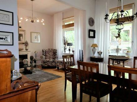 Wunderschöne, gut geschnittene 3-4-Zimmer-Altbauwohnung in ruhiger Seitenstraße von Harburg