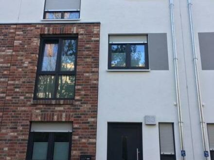 Attraktives, neuwertiges Townhouse in ruhiger Lage von Berlin-Lichtenberg befristet zu vermieten