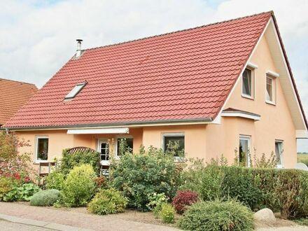 HORN IMMOBILIEN ++ Burg Stargard tolles Einfamilienhaus mit Kamin