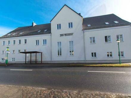 TOP Standort an der B96a: Haus mit 850 m² & vielen Perspektiven • Erstbezug