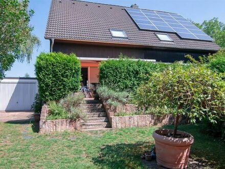 Ruhig gelegene Doppelhaushälfte  Top saniert mit herrlichem Garten