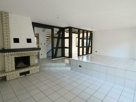 Zweifamilienhaus oder 4 Wohnungen (MFH) + 1.031 m² Grundstück + Garage