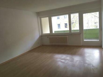 ** WBS mit besonderem Wohnbedarf (Dringlichkeit) notwendig! – Helle Familienwohnung in Berlin- Spandau