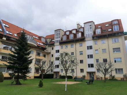Bezugsfrei! Gemütliche, gepflegte Ein-Zimmer Wohnung in Alt-Mariendorf