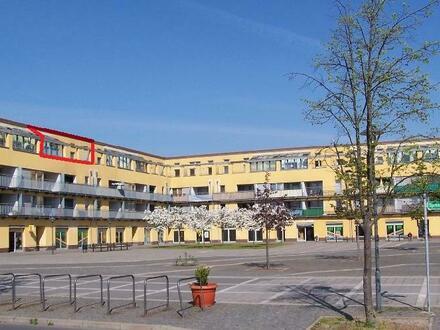 3,5 Zimmer Dachgeschosswohnung mit Dachterrasse+Wintergarten + Stellplatz Tiefgarage