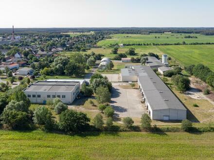 Lager- und Büroflächen, 500 m² bis 12.000 m², PKW-Stellplätze vorhanden