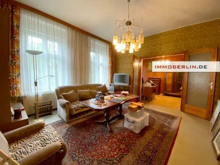 IMMOBERLIN.DE - Klassisches Landhaus & Remise auf großzügigem Grundstück