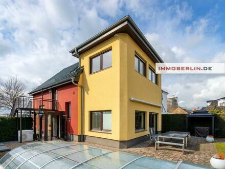 IMMOBERLIN.DE - Bestzustand! Modernisiertes Familiendomizil mit sehr viel Platz