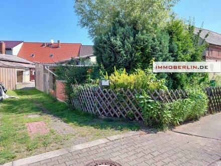 IMMOBERLIN.DE - Charmanter Vierseithof im Ortskern mit Ausbaupotential