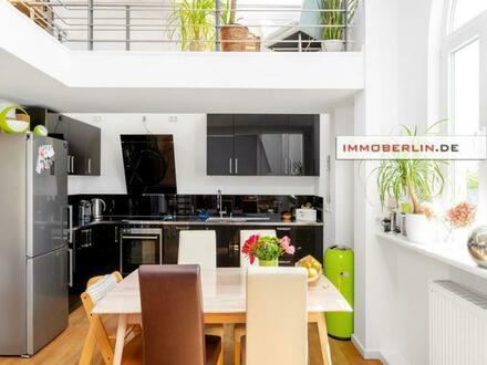 IMMOBERLIN.DE - Lichtdurchflutete Wohnung mit großzügiger Galerie, Terrasse & Garage